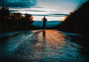 Czas na treningi biegowe- jak się do nich przygotować?